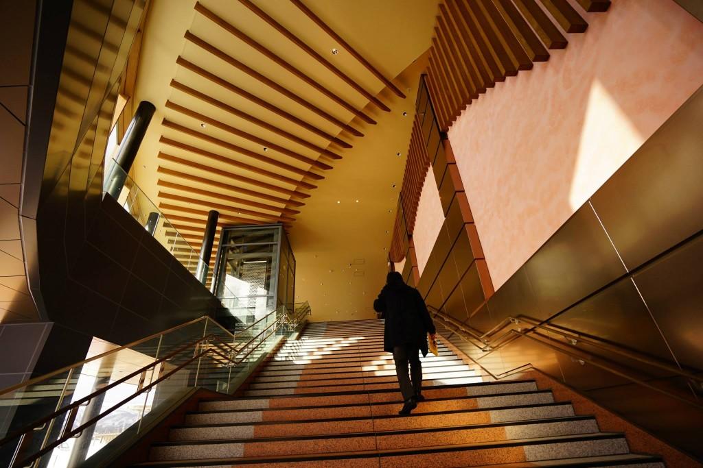 上越妙高駅西口階段