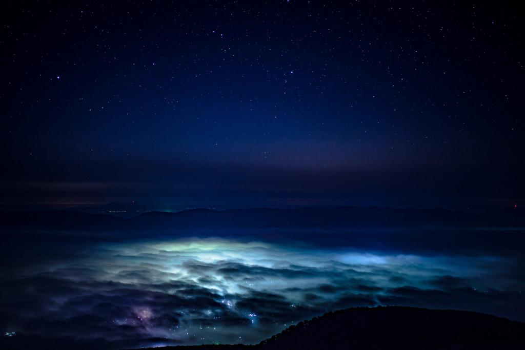 ドンデン山の雲海と夜景