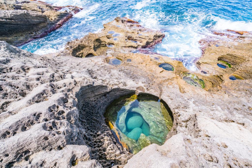 佐渡 平根崎の波蝕甌穴群