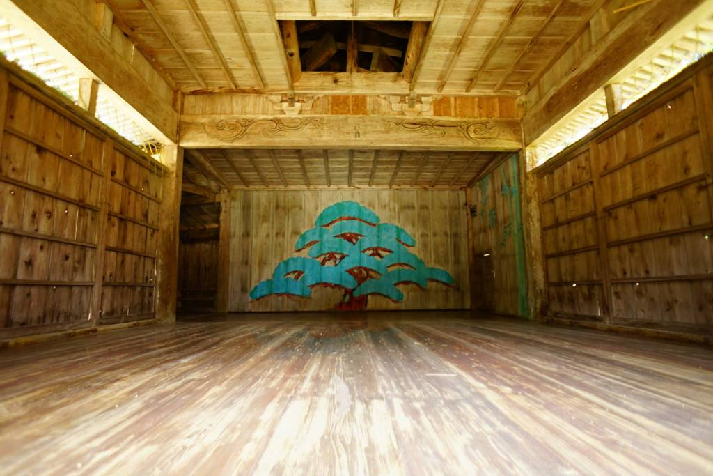 牛尾神社能舞台