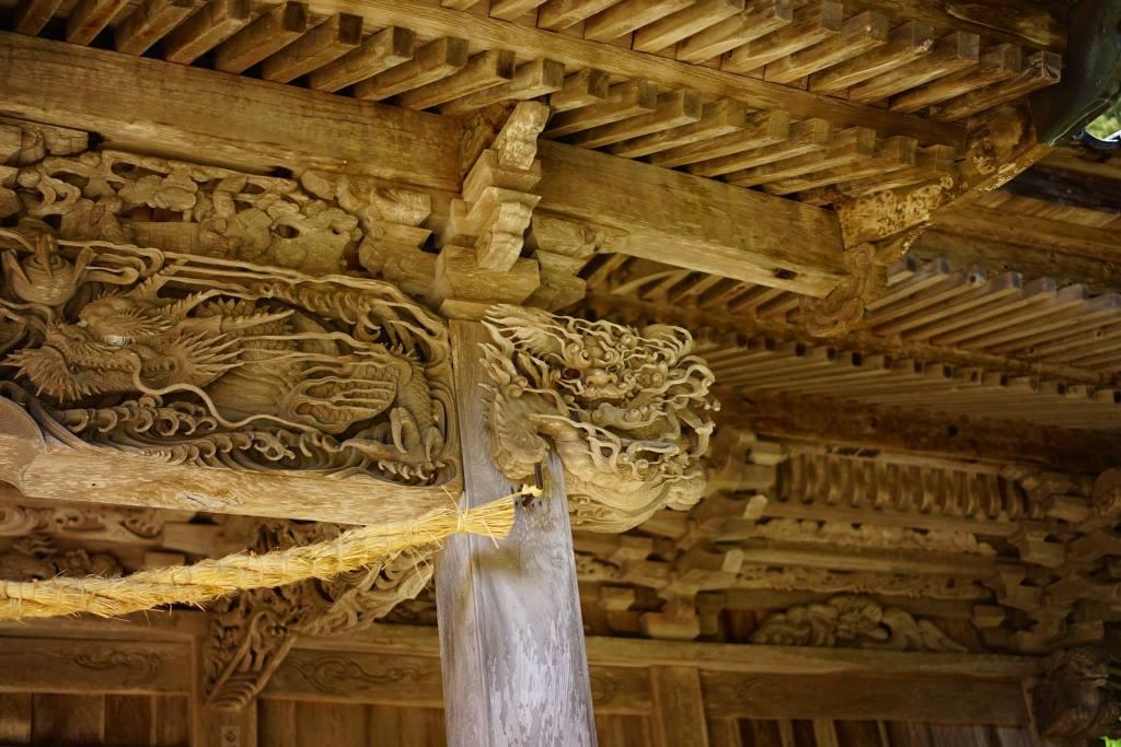 牛尾神社 拝殿の彫刻