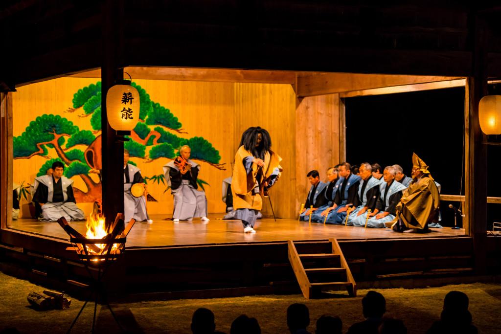 諏訪神社能舞台