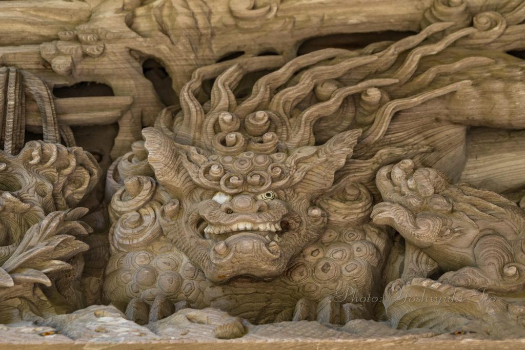 獅子の彫刻
